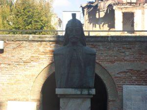 Vlad Dracula statua bucarest